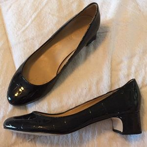Talbots low black glossy croc embossed leather